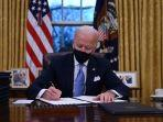 presiden-as-joe-biden-duduk-di-oval-office.jpg