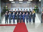 presiden-joko-widodo-dan-wakil-presiden-jusuf-kalla_20160816_143543.jpg