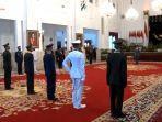 presiden-joko-widodo-jokowi-melantik-perwira-tni-dan-polri-dalam-upacara-prasetya-perwira-tni-dan.jpg