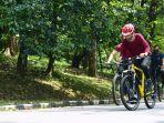 presiden-joko-widodo-jokowi-saat-bersepeda-di-kompleks-istana.jpg