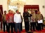 presiden-jokowi-akan-melakukan-deregulasi-ekonomi_20150909_202732.jpg