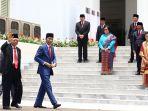 presiden-jokowi-berfoto-bersama-kabinet-indonesia-maju_20191023_155959.jpg