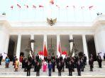 presiden-jokowi-berfoto-bersama-kabinet-indonesia-maju_20191023_160249.jpg