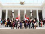 presiden-jokowi-berfoto-bersama-kabinet-indonesia-maju_20191023_162124.jpg
