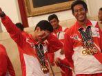presiden-jokowi-bertemu-atlet-dan-pelatih-asean-paragames-2017_20171002_140911.jpg
