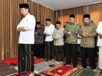 presiden-jokowi-imam-sholat-dzuhur-di-sela-berkunjung-ke-ponpes-darul-ulum-jombang.jpg