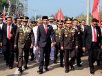 presiden-jokowi-jalan-kaki_20171005_100038.jpg