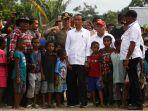 presiden-jokowi-kunjungi-lokasi-banjir-bandang-sentani_20190401_164853.jpg