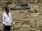 presiden-jokowi-kunjungi-lokasi-gempa-palu_20181003_212538.jpg