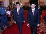 presiden-jokowi-lantik-ignasius-jonan-menjadi-menteri-esdm_20161014_162402.jpg