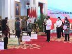presiden-jokowi-luncurkan-bantuan-tunai-se-indonesia-2021_20210104_231249.jpg