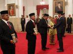 presiden-jokowi-memberi-anugrah-gelar-pahlawan_20181108_203609.jpg