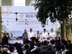 presiden-jokowi-membuka-halal-park-d.jpg