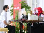 presiden-jokowi-orang-pertama-disuntik-vaksin-covid-19-sinovac_20210114_041514.jpg