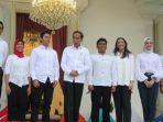 presiden-jokowi-perkenalkan-tujuh-stafsus-milenialnya_20191121_200714.jpg