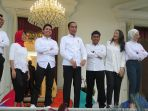 presiden-jokowi-perkenalkan-tujuh-stafsus-milenialnya_20191121_200756.jpg