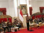 presiden-jokowi-pimpin-rakor-dengan-semua-gubernur_20161023_170058.jpg