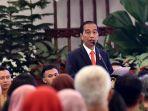presiden-jokowi-saat-berbicara-di-hadapan-para-humas.jpg