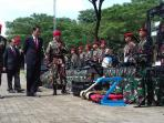 presiden-jokowi-saat-mengunjungi-markas-kopassus_20161110_112824.jpg