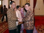 presiden-jokowi-silahturahmi-idul-fitri-di-istana-negara_20160711_190344.jpg