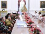 presiden-jokowi-terima-rombongan-amien-rais_20210309_202252.jpg