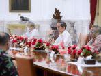 presiden-jokowi-terima-rombongan-amien-rais_20210309_203217.jpg