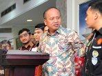 presiden-jokowi-terima-tim-sem_20150930_201539.jpg