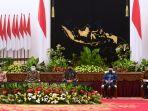presiden-jokowi-wapres-dan-sejumlah-menteri-serahkan-zakat_20210415_214455.jpg