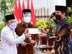 Jokowi Ajak Para Pejabat Negara, BUMN dan Kepala Daerah Berzakat Melalui Amil Zakat Resmi