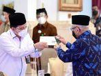 presiden-jokowi-wapres-dan-sejumlah-menteri-serahkan-zakat_20210415_221402.jpg