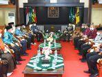 presiden-pks-ahmad-syaikhu-dpp-pkssilaturahim-kebangsaan-ke-kantor-pp-muhammadiyah-di-yogyakarta.jpg