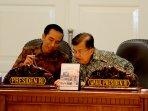presiden-rapat-kabinet-terbatas-bahas-pariwisata-dan-transportas_20151016_145832.jpg