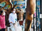 Saat Presiden Jokowi Mampir ke Toko Kerajinan di Ubud