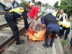 proses-evakuasi-jenazah-di-rel-kereta-api-d.jpg
