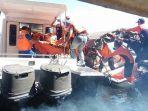 proses-evakuasi-korban-di-danau-batur_20170718_114650.jpg