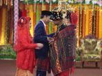 prosesi-upacara-adat-perkawinan-kahiyang-bobby_20171127_135538.jpg
