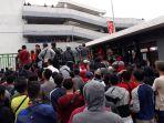 protes-suporter-timnas-u-23-indonesia_20180817_143746.jpg
