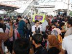 pt-kereta-commuter-indonesia-kci-menggelar-kampanye-untuk-mengaja_20180209_195311.jpg