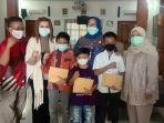 puan-berikan-bantuan-pendidikan-untuk-vino-anak-yatim-piatu-karena-covid-19.jpg