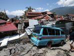 puing-bangunan-di-perumnas-balaroa-akibat-gempa-bumi-yang-mengguncang-kota-palu_20181004_152644.jpg