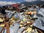 puing-bangunan-di-perumnas-balaroa-akibat-gempa_3_20181001_113524.jpg