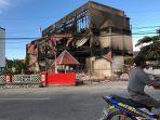 puing-bangunan-terbakar-di-jayapura.jpg