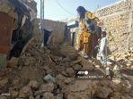 puing-puing-rumah-yang-runtuh-akibat-gempa-bumi-di-barat-daya-pakistan-pada-7-oktober-2021.jpg