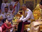 raja-thailand-maha-vajiralongkorn-atau-raja-rama-x-duduk-di-singgasana-b.jpg