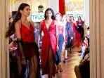 rancangannya-pada-fd-paris-fashion-show-2019.jpg
