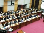 rapat-dengar-pendapat-antara-komisi-i-dpr-ri-dengan-kementerian-luar-negeri-ri_20160831_113839.jpg
