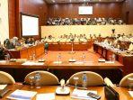 rapat-kerja-menteri-pertanian-dengan-komisi-iv-dpr_20181023_074711.jpg