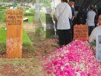rashid-rajasa-di-pemakaman-adara-taista_20180525_194609.jpg
