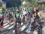 ratusan-kader-gerakan-pemuda-gp-ansor-gowes-sepeda-mengelilingi.jpg