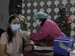 ratusan-warga-mengikuti-vaksinasi-di-utc-semarang_20210622_150829.jpg